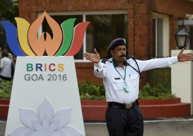 Policial indiano perto de hotel Taj em Goa, Índia, 14 de outubro de 2016