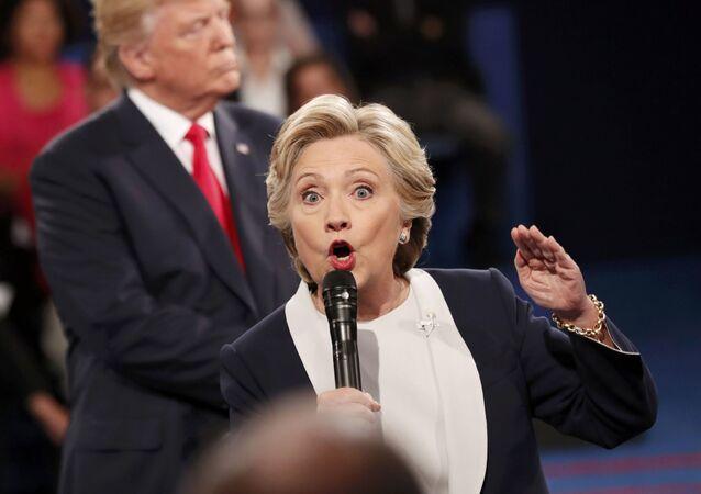 Candidatos à presidência dos EUA, Hillary Clinton e Donald Trump, durante um debate eleitoral