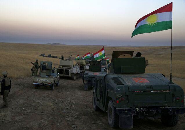 Avanço das forças peshmerga a 30 quilómetros da cidade de Mossul , no norte do Iraque