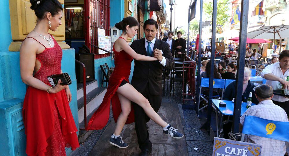 Aulas de tango nas ruas de Buenos Aires, Argentina
