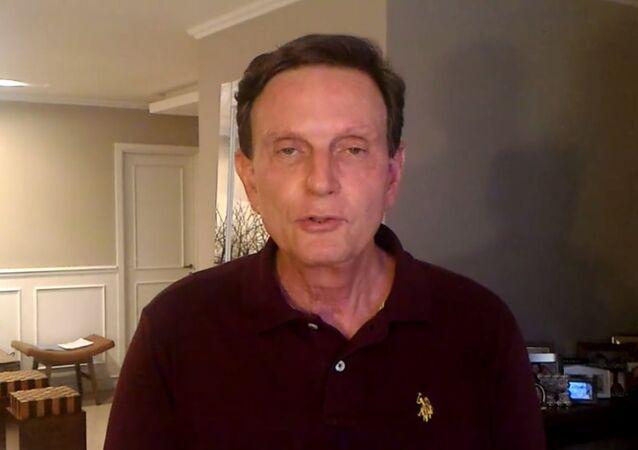 Marcello Crivella posta vídeo no Facebook negando que tenha sido preso