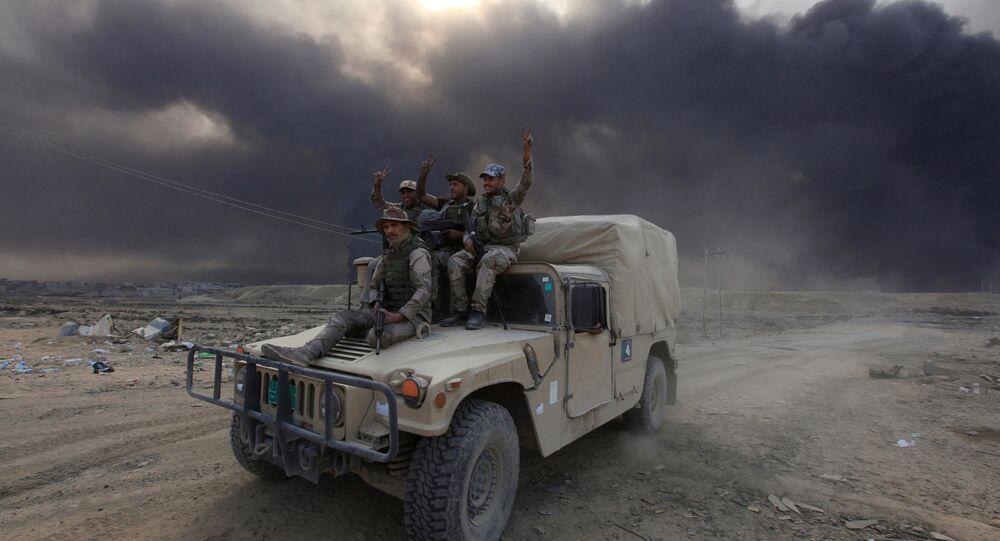 Soldados do exército do Iraque durante ofensiva contra Mossul