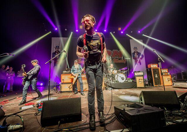 Apresentação do Eagles of Death Metal em Bruxelas, na Bélgica, em fevereiro de 2016