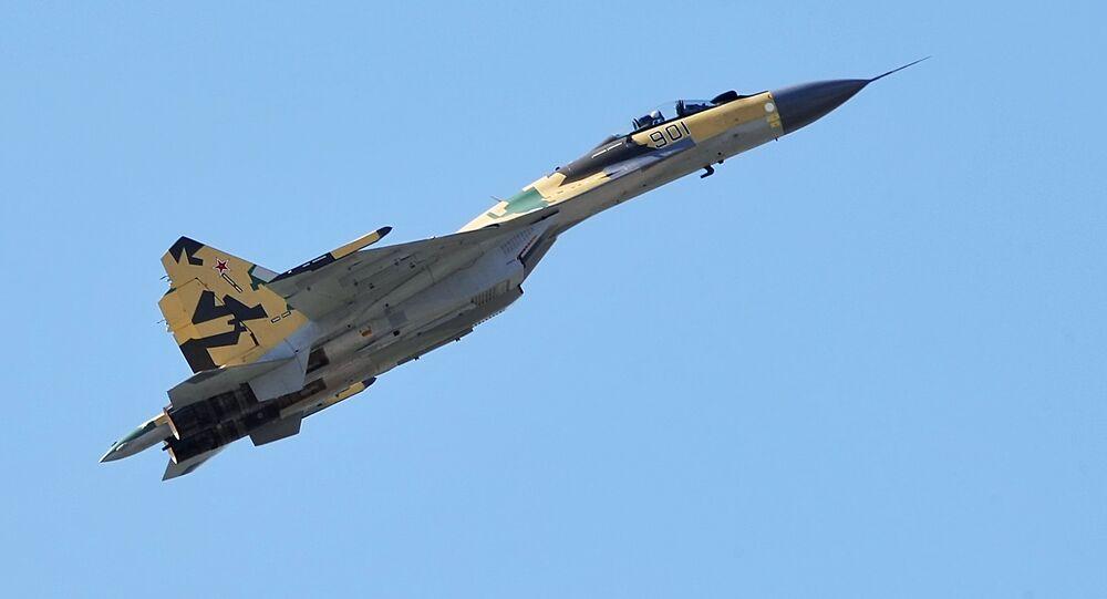 Caça multifuncional Su-35