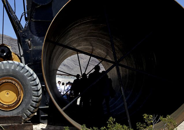 Uma parte do tubo para comboio, a parte do projeto Hyperloop, exposto nos EUA. 11 de maio de 2016