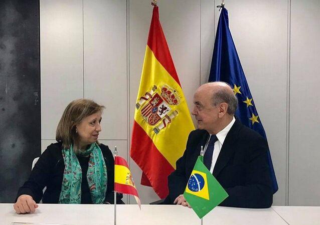 José Serra e a secretária de Comércio da Espanha, María Luísa Poncela