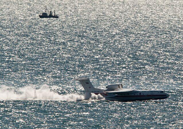 Manobras do Ministério para Situações de Emergência na ilha de Sakhalin, aeronave anfibia Beriev Be-200