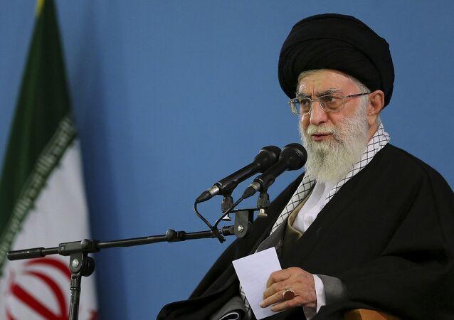 Aiatolá Ali Khamenei, líder supremo do Irã (arquivo)