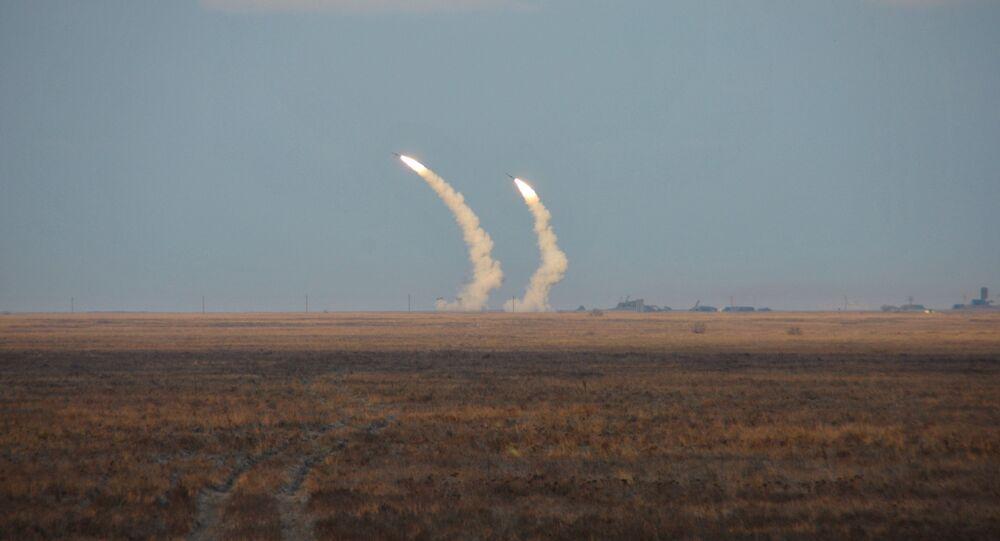 Testes de voo de controle de mísseis balísticos de longo alcance da Ucrânia (foto de arquivo)