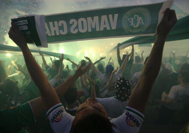 Torcida do Chapecoense no estádio Arena Condá na cidade brasileira de Chapecó
