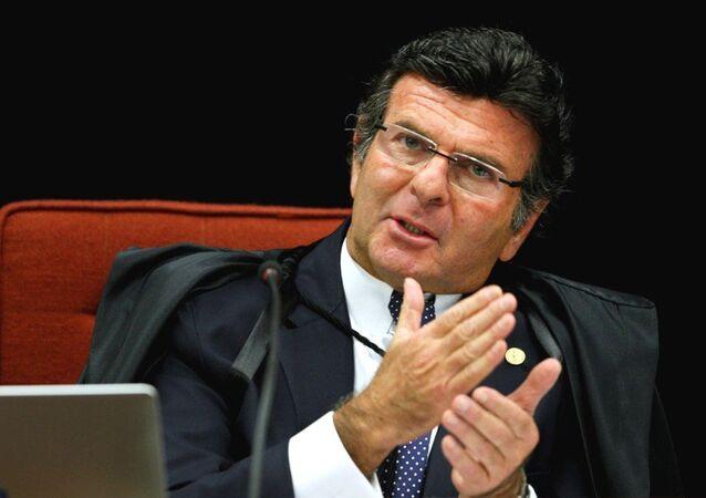 Ministro do STF, Luiz Fux barra pacote anticorrupção no Senado e quer que projeto volte a estaca zero na Câmara