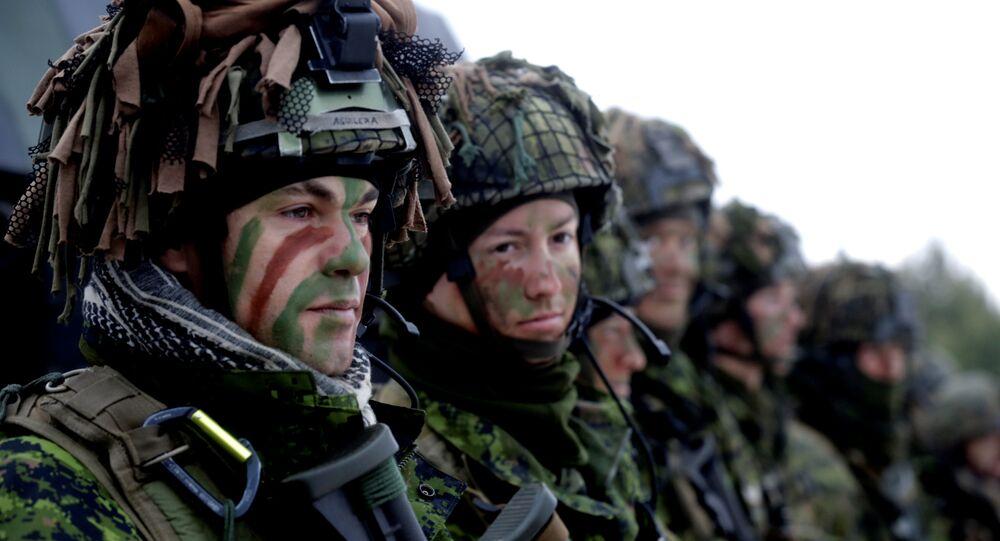 Tropas da Lituânia ao lado de outras forças da OTAN (arquivo)