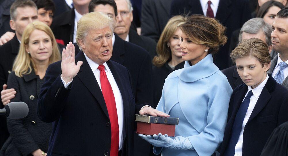Donald Trump durante o juramento