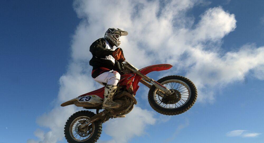 Competição de motocross