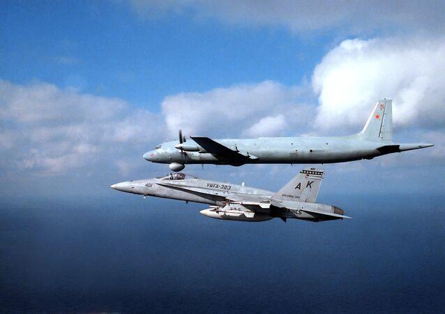 Caça F/A-18 Hornet da Marinha dos Estados Unidos