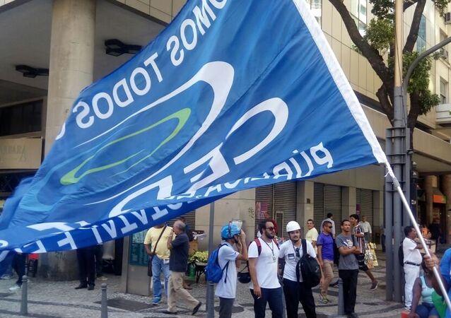 Manifestantes protestam contra a privatização da Cedae no centro do Rio de Janeiro