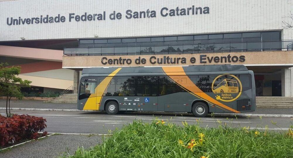 UFSC desenvolve ônibus solar