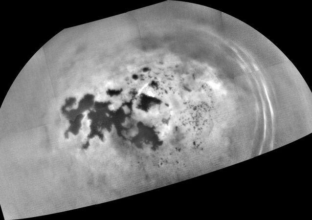 Foto mais recente dos mares de Titã tirada pela sonda Cassini