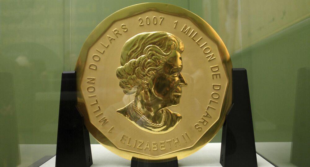 A moeda com o nome de Grande Folha de Ácer que pesa cerca de 100 quilogramas e é feita de ouro puro