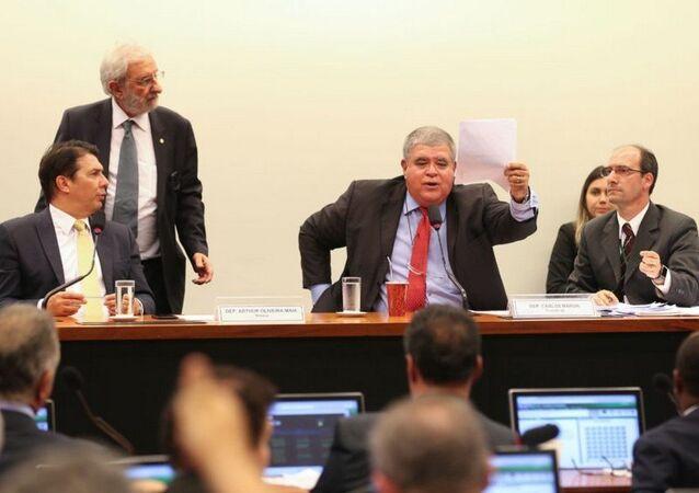 Comissão Especial da Reforma da Previdência na Câmara durante audiência para esclarecer a proposta
