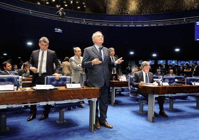Renan Calheiros afirma que governo 'já inviabilizou' a reforma da Previdência