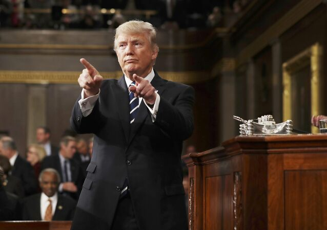 Presidente dos EUA, Donald Trump, após discurso no Congresso norte-americano, em 28 de fevereiro de 2017