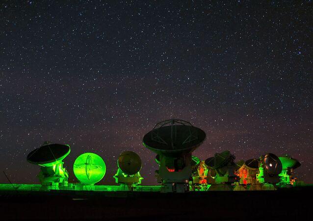 Maior radiotelescópio do mundo – observatório espacial do ALMA (Atacama Large Millimeter Array), Chile