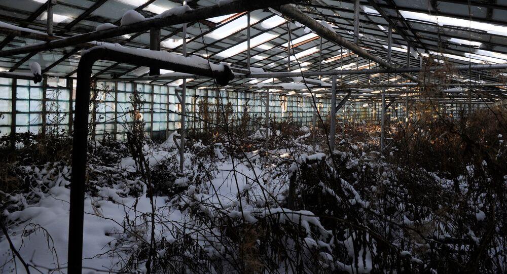 Edifício abandonado no território da antiga cidade militar soviética Skrunda-1 nos arredores de Riga, Letônia. A empresa russa Alekseevskoe Servis comprou essa cidade militar em leilão por três milhões de dólares (milhões de R$ 9,285)