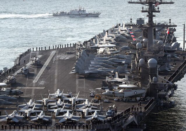 O porta-aviões nuclear norte-americano USS Carl Vinson da classe Nimitz (foto de arquivo)