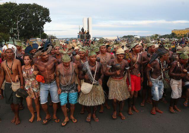 Índios do Acampamento Terra Livre fazem  manifestação na Esplanada dos Ministérios (arquivo)