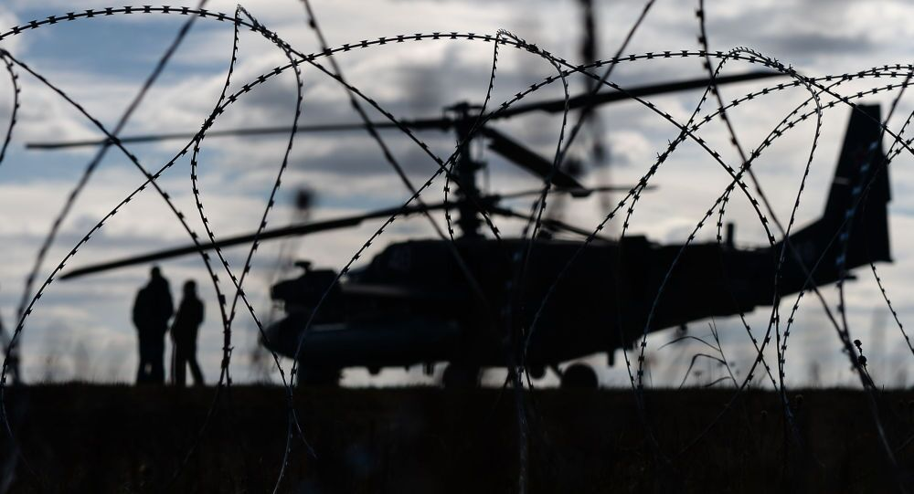 O helicóptero Ka-52 no aeroporto militar de Kubinka.
