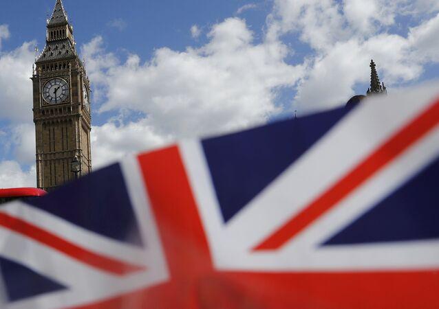 Bandeira do Reino Unido perto do parlamento britânico, em Londres, em abril de 2017