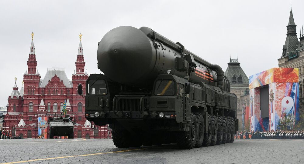 O complexo Yars é visto na Praça Vermelha durante o desfile militar da Parada da Vitória em 9 de maio em Moscou