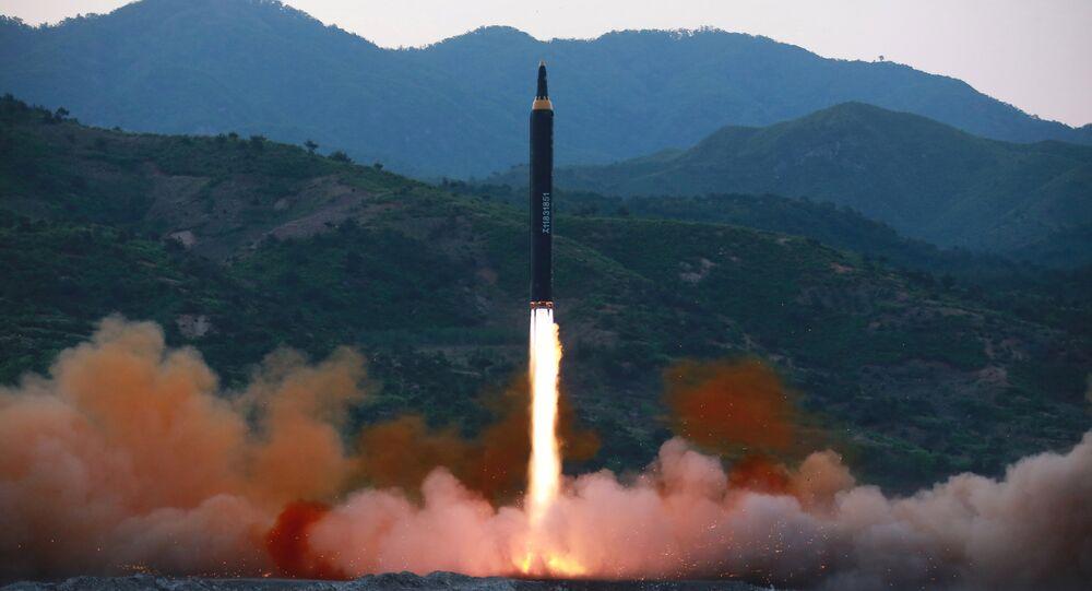 Teste de míssil norte-coreano Hwasong-12