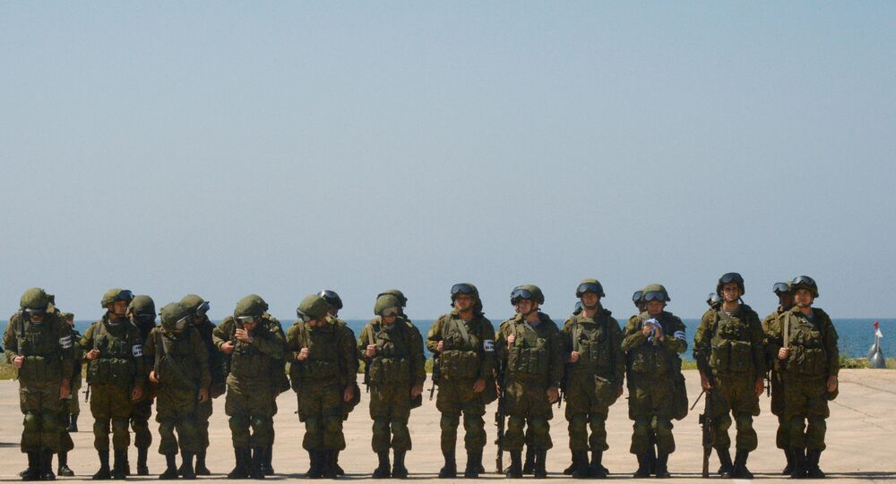 Marinheiros russos e sírios participam de exercícios militares conjuntos no porto sírio de Tartus