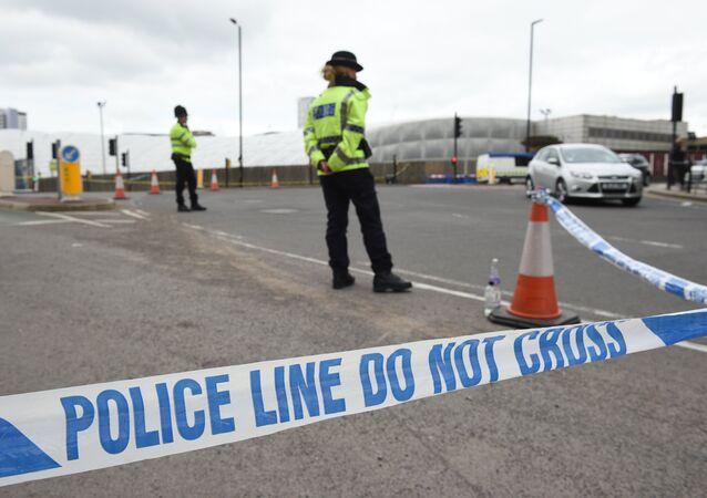 Polícia isola área um dia após um grande atentado na Manchester Arena, noroeste da Inglaterra, em 22 de maio de 2017