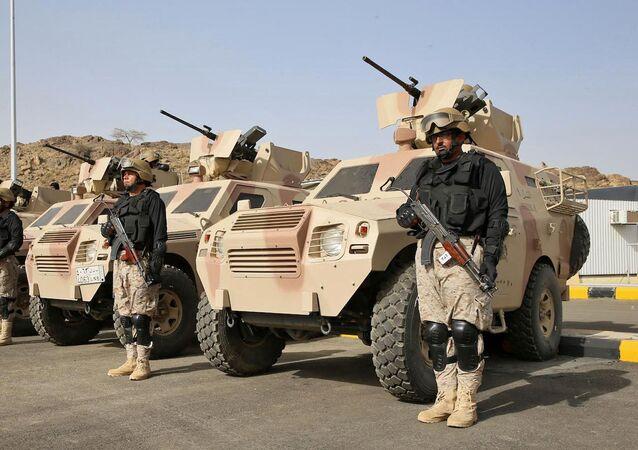 Forças Armadas da Arábia Saudita e unidades das Forças Especiais do Exército do Paquistão participam dos exercícios militares conjuntos Al-Samsam 5, no sudoeste da Arábia Saudita