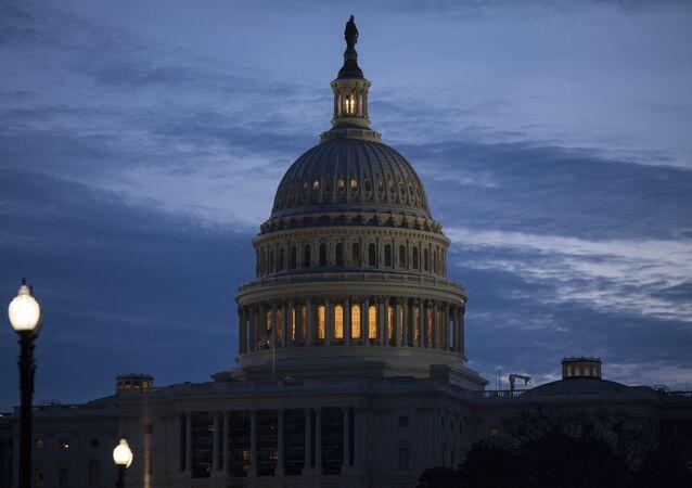 Os democratas Jon Ossoff e Raphael Warnock derrotaram os republicanos David Perdue e Kelly Loeffler na disputa pelas vagas da Geórgia no Senado dos EUA