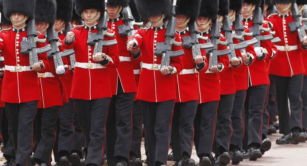 Guarda britânica durante desfile em Londres