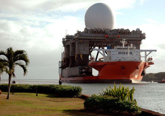 O maior sistema de radar do mundo baseado no mar SBX (Sea-Based X-Band Radar-1) dos EUA (imagem referencial)