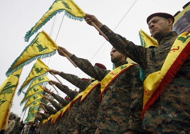 Militantes do grupo xiita libanês Hezbollah