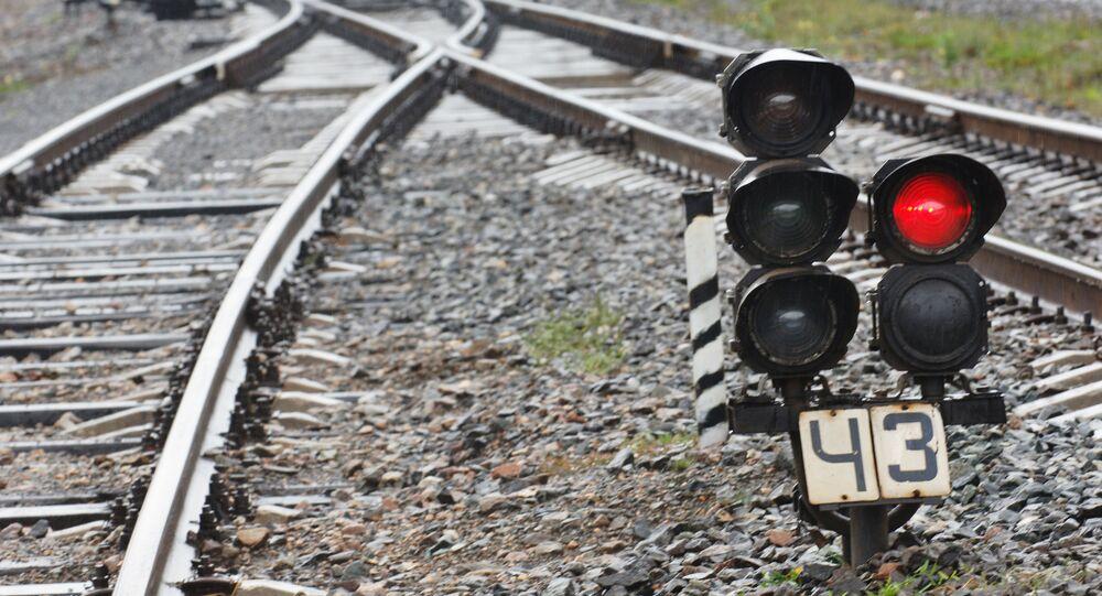 Cerca de 600 pessoas tiveram que abandonar trem e residências na Polônia por conta de ameaça de explosão