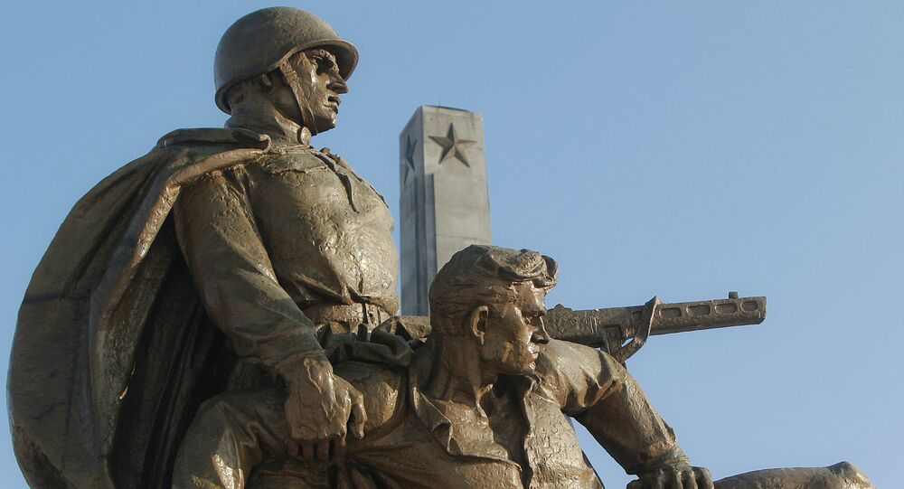 Monumento às tropas soviéticas em Varsóvia