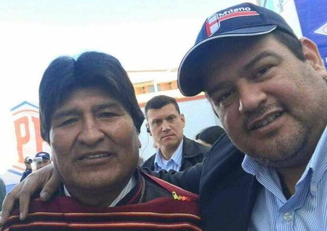 Imagem do presidente boliviano Evo Morales ao lado de Romer Gutierrez Quezada, preso no Brasil por tráfico de drogas