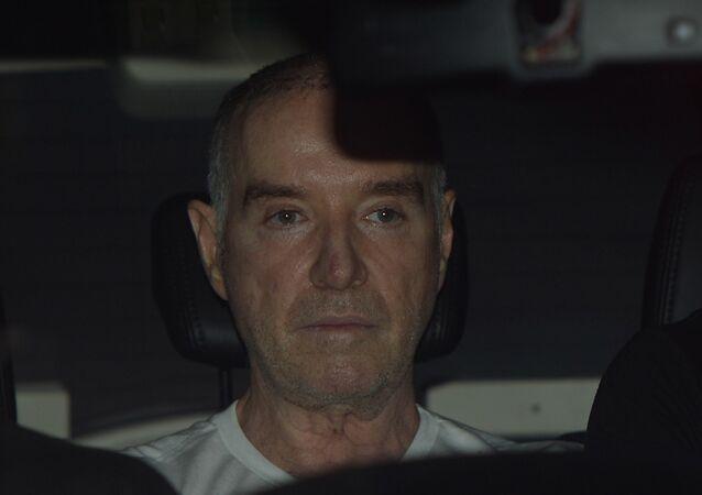 Eike sendo conduzido pela Polícia Federal, no início de 2017