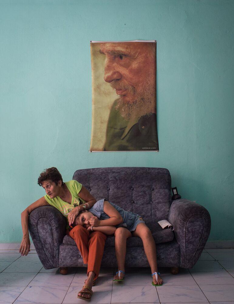 """A foto de Kristina Kormilitsyna (Rússia) da série """"Quadro Negro de Fidel"""" que conquistou o terceiro lugar na nomeação """"Notícias Principais"""""""