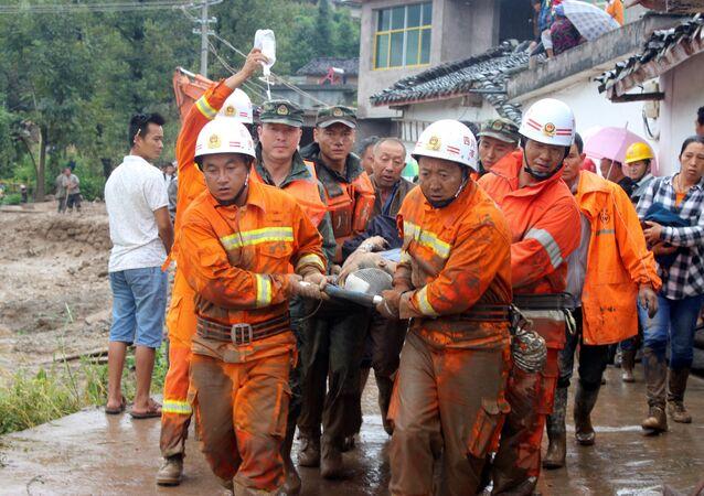 Resgate após terremoto na região de Sichuan, na China (foto de arquivo)