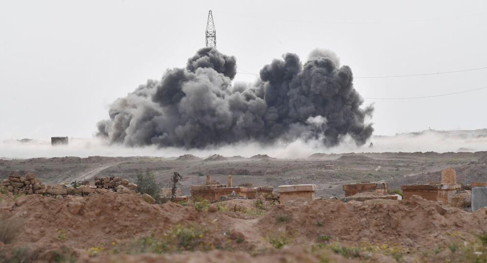 Ataques da Força Aeroespacial da Rússia contra as posições do Daesh perto da cidade de Deir ez-Zor (foto de arquivo)