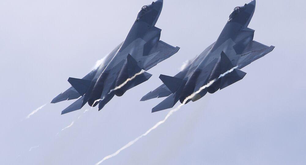 Caças russos de quinta generação Su-57