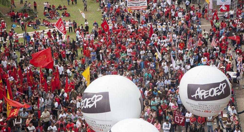 Comemoração do Dia do Trabalhador em São Paulo, no Vale do Anhangabaú